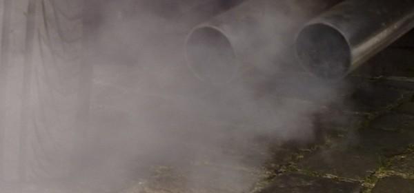 © Ruben de Rijcke -- Automobile exhaust gas